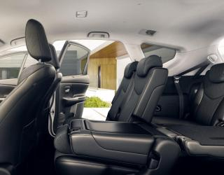 7 seat prius models features vertu toyota chesterfield. Black Bedroom Furniture Sets. Home Design Ideas